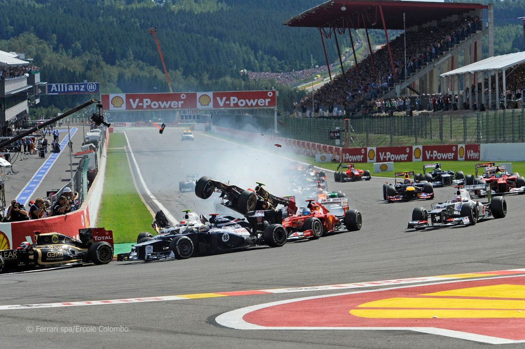 SPA 2012 - KIMI SURVIVES MAYHEM AND CLOSES THE GAP