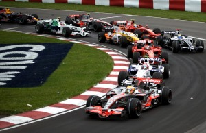2008_Canadian_GP_lap_1_turn_2